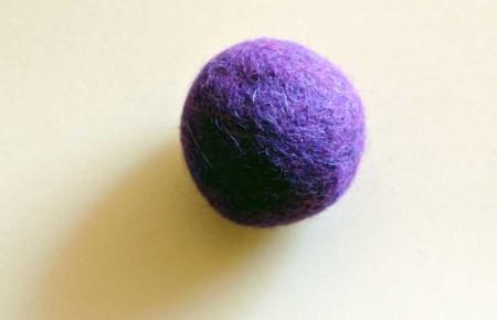 Rasselball magenta-rot