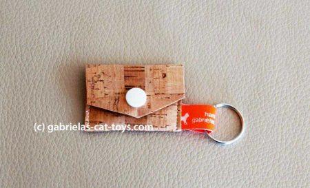 Münztäschlein mit weißem Knopf